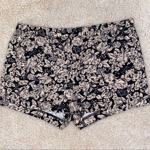 💚3/$10: F21: Floral Shorts, SIZE: S